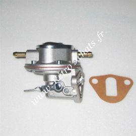 2cv-citroen-pompe-a-essence-avec-levier
